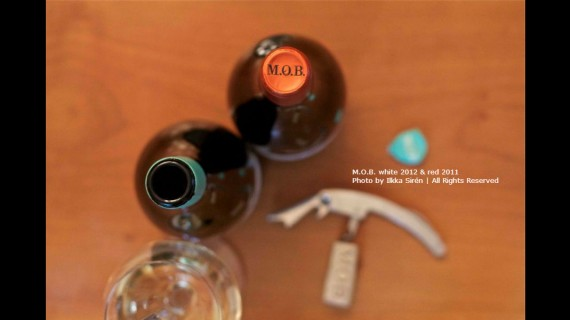 Blend-All-About-Wine-MOB-Slider