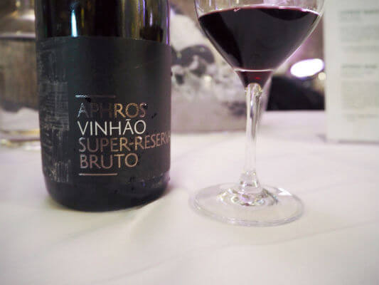 Blend_All_About_Wine_Aphros_Vinhao Bolhas Tintas a Testar os Limites Bolhas Tintas a Testar os Limites Blend All About Wine Aphros Vinhao