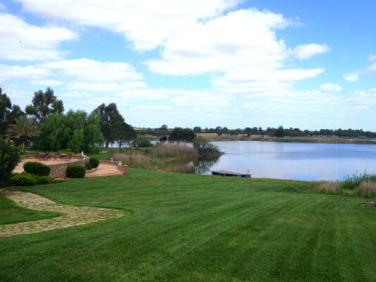 Herdade dos Grous The Beautiful Lake A Winning Project in The Alentejo Interior A Winning Project in The Alentejo Interior Blend All About Wine Herdade dos Grous The Beautiful Lake