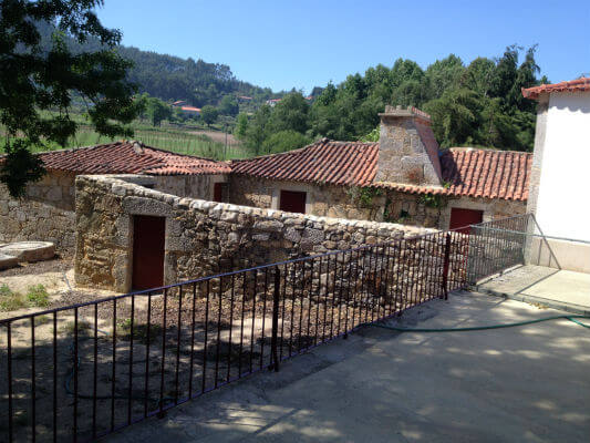 Blend-All-About-Wine-Old-Wines-From-Casa-de-Paços-the-traditional-beauty-of-the-house