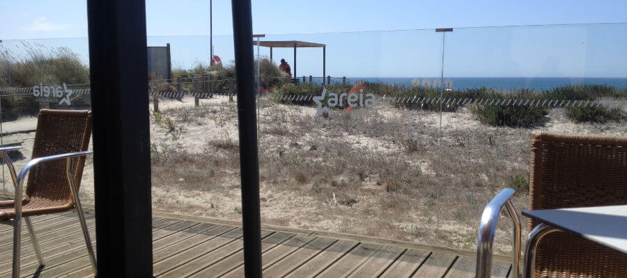 Blend-All-About-Wine-Areia Restaurant Bar-On-top-of-the-sand