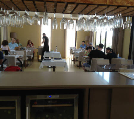 Blend-All-About-Wine-Areia Restaurant Bar-The-Restaurant-2