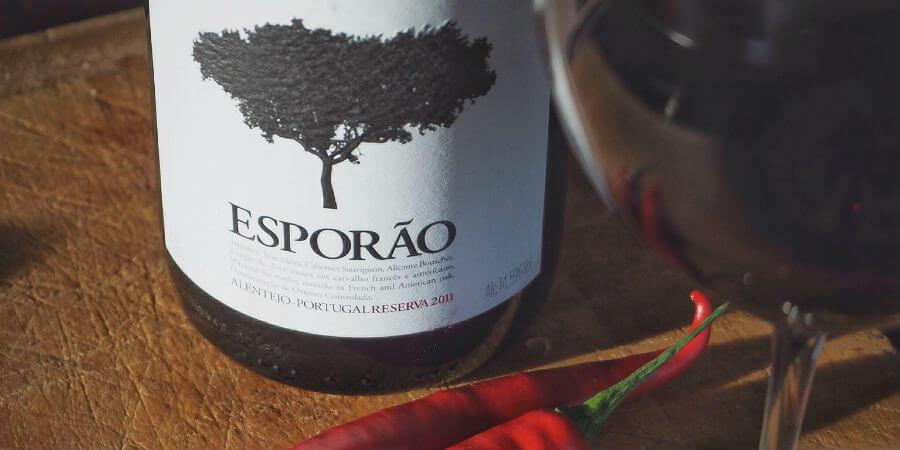 Blend-All-About-Wine-Chili-con-vino-Esporão-Reserva-2011