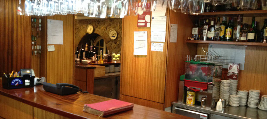 Blend-All-About-Wine-Camelo Restaurant-Bar