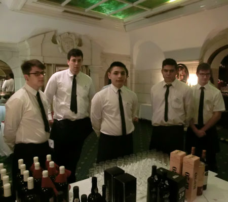Blend-All-About-Wine-Port wine-Vienna-The-service
