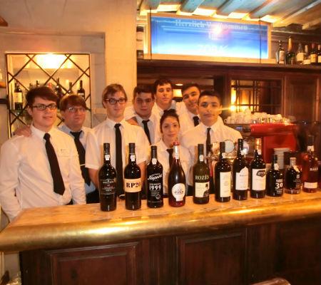 Blend-All-About-Wine-Port wine-Vienna-wines-serving