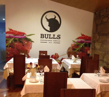 Blend-All-About-Wine-Bulls-Tables bulls Bulls – A Rodízio restaurant of quality in Matosinhos Blend All About Wine Bulls Tables