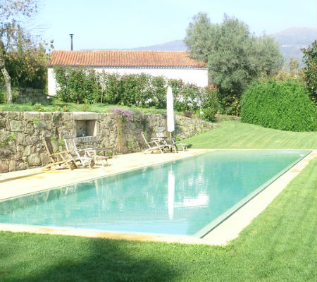 Blend-All-About-Wine-Quinta do Ameal-Pool