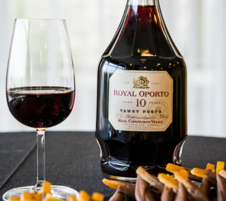 Blend-All-About-Wine-Royal Oporto 10 Years Tawny-Real Companhia Velha-Movement