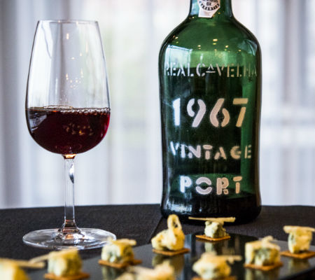Blend-All-About-Wine-Vintage Port 1967-Real Companhia Velha-Movement